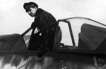 Barkhorn in his Fw 190D-9