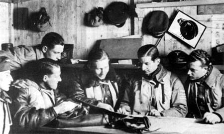 Members of 2./ZG 76 at the briefing before combat mission